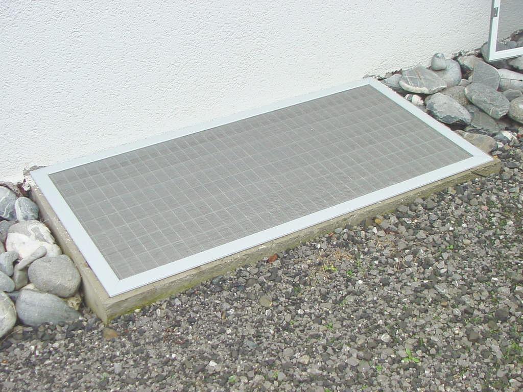 insektenschutzgitter insektenschutzt ren gs gitterrost bauteile ag. Black Bedroom Furniture Sets. Home Design Ideas